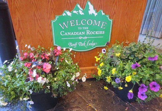 Banff Park Lodge Resort and Conference Centre: Welcome sign