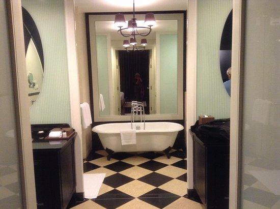 Eastern & Oriental Hotel: The bathroom with twin sinks