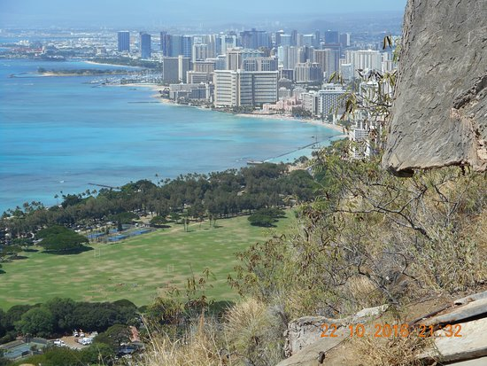 Diamond Head State Monument: Looking back at Waikiki from WW2 bunker Diamond Head