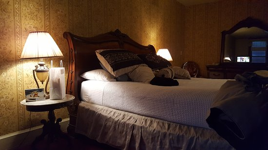 The New Orleans Hotel: 20161030_182950_large.jpg