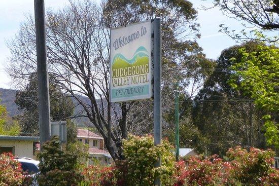 Cudgegong Valley Motel: Signage