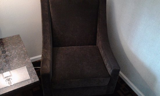 Springfield, OR: chair is clean