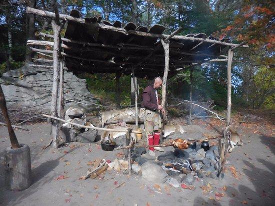 Plimoth Plantation: 鳥の丸焼きを作る