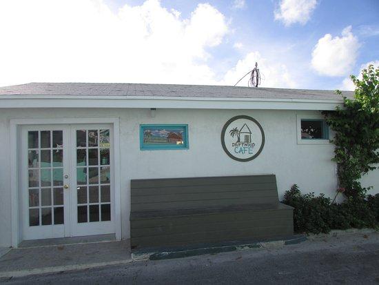 Driftwood Cafe: entrance