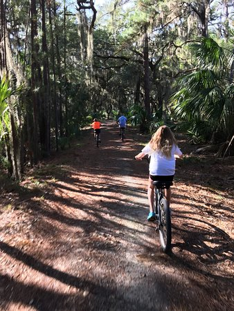 The Lodge on Little St. Simons Island: Biking to the beach