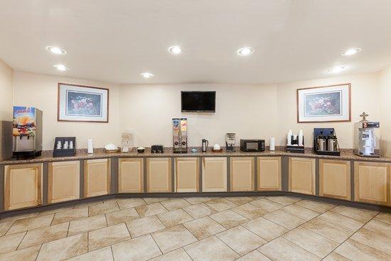 Knights Inn & Suites Searcy : Breakfast Room