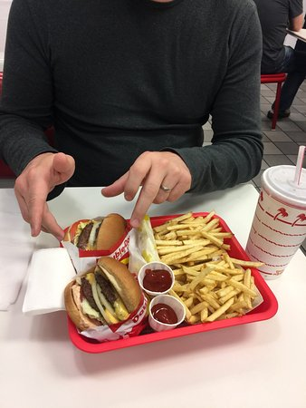 In-N-Out Burger: photo1.jpg