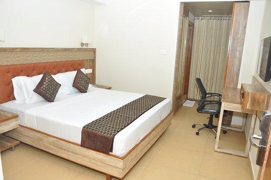 Thanmayi Inn