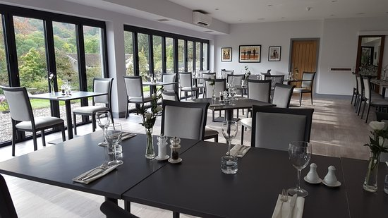 Тейналт, UK: The stunning Light and Airy airconditioned Bistro with the bifold exterior walls for Alfresco Di