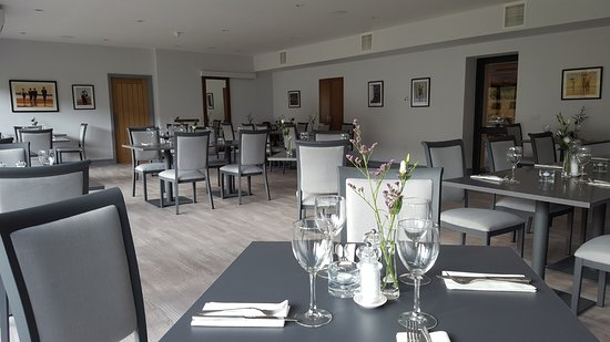 Тейналт, UK: Another view of the beautiful Bistro