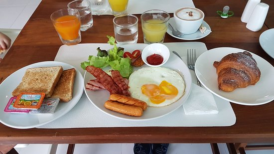 Kamala Beergarden: Breakfast