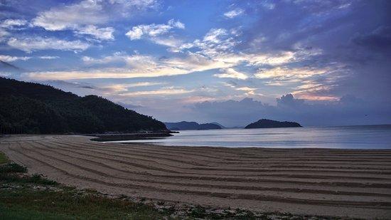 Suooshima-cho, Japonia: Sandy beach at sunset