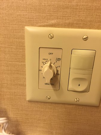 cow hollow inn and suites heat lamp timer in bathroom - Lamp Timer