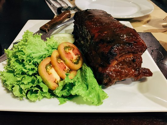 Hotel Kimberly: Ribs for dinner