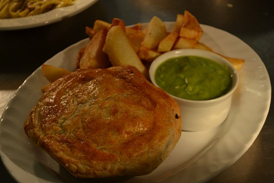 Peterlee, UK: Pie & Chips