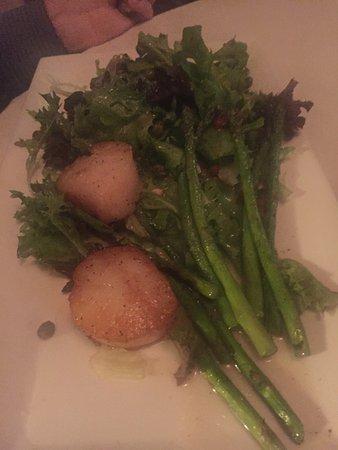 Rudi's Portsmouth: Delicious Pink Grapefruitini, perfect calamari app, warm asparagus salad with scallops and the b