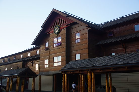 Фотография Old Faithful Snow Lodge and Cabins