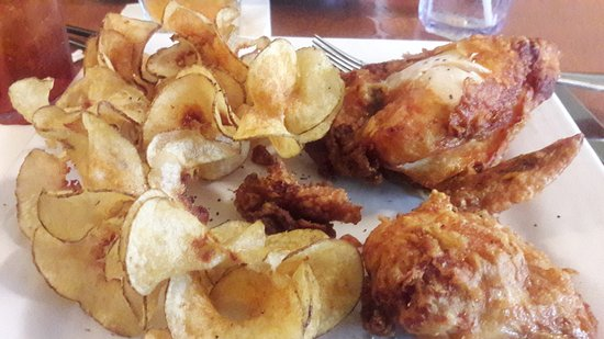 Plymouth, WI: Broasted Chicken and Spiral Chips