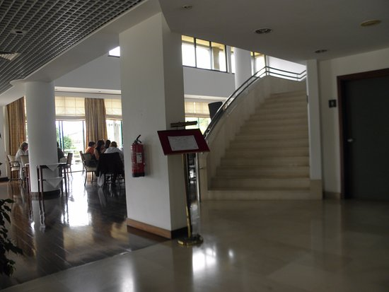 Hotel Escola : from the reception to the dining room