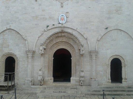 Cattedrale di Ruvo di Puglia : Portali