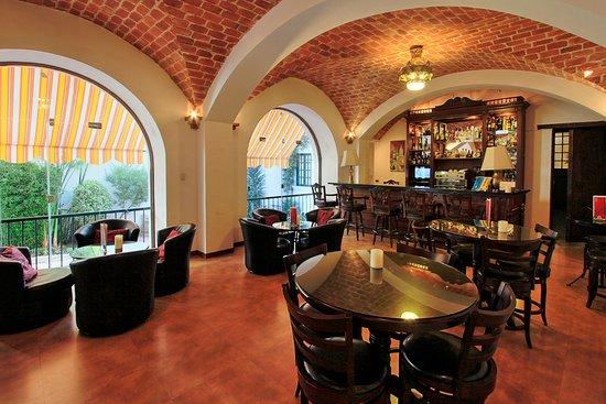Parador Santa Maria la Real: Café Bar