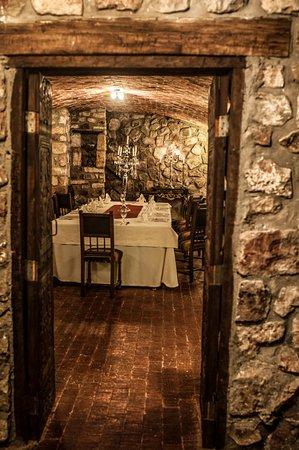 Parador Santa Maria la Real: Museo Restaurant Watanay