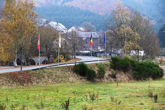 Ouren, Bélgica: zicht van de brug