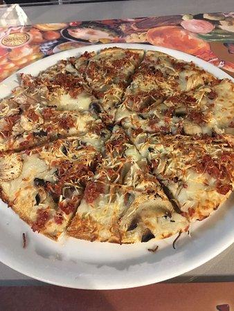 Pizzaiolo San Felipe: Pizza unos 12 euros