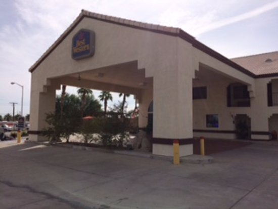 BEST WESTERN Colorado River Inn: Front of hotel