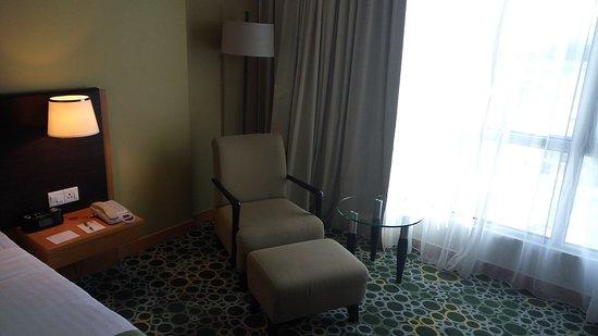Holiday Inn Melaka: Comfy arm chair