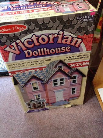 Willits, CA: DOLL HOUSE