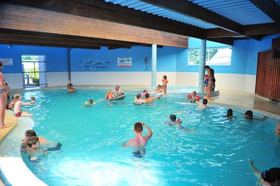Camping la prairie saint hilaire de riez france voir for Tarif piscine couverte