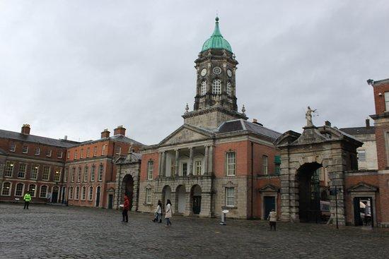 Dublin Castle: Central square