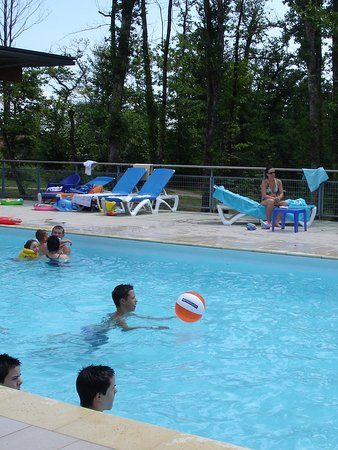 Nontron, Prancis: Village Vacances avec piscine
