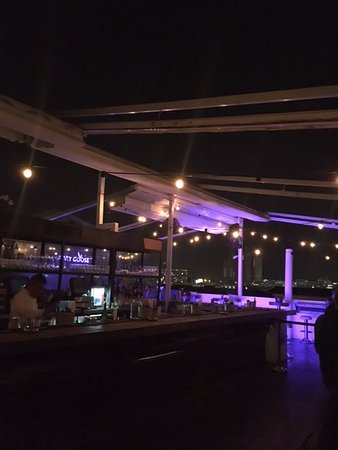 Tantalo Hotel / Kitchen / Roofbar: Bar before the busy time