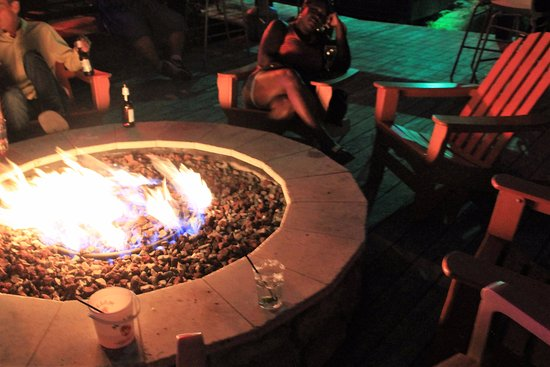 Caribbean Jack's: Firepit out back to enjoy cocktails after dinner while listening to the live band :-)