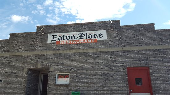 Charlotte, MI: Good place to eat