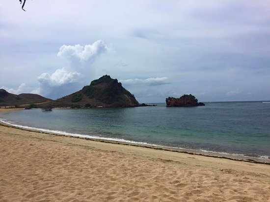 Novotel Lombok: The lovely private beach