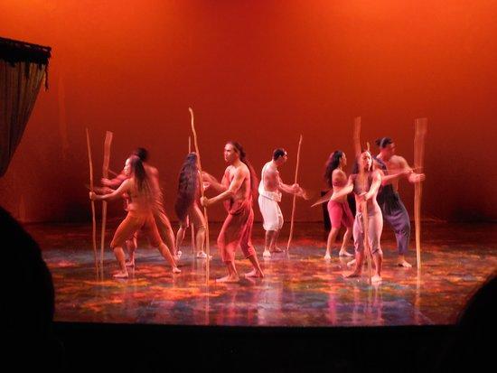 Ulalena's Lu'au : One scene from the show