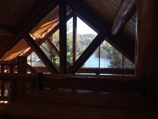 Bearskin Lodge: View from loft of cabin 3