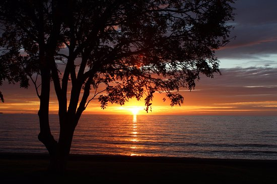 East Bay Suites: Sunrise