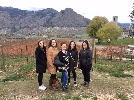 แคมลูปส์, แคนาดา: Photo in the vineyard at Monte Creek Ranch & Winery