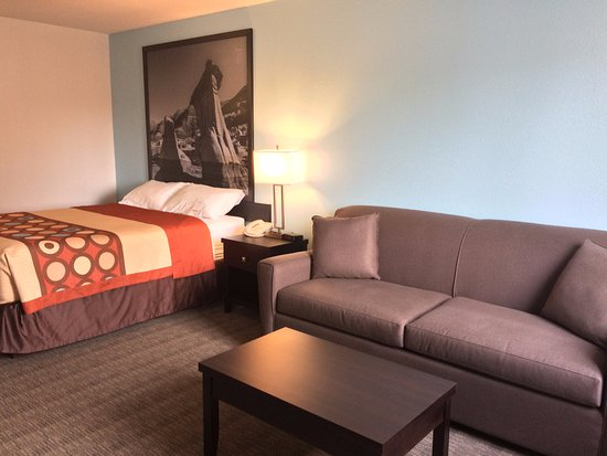 Strathmore, Canada: Standard One Queen Bed