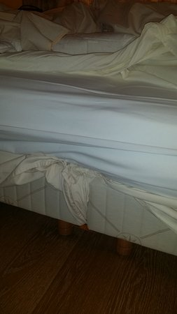 """Molitg-les-Bains, Γαλλία: lit """"king size"""" deux petits lits collés en fait"""
