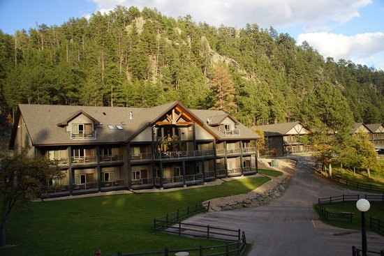 K Bar S Lodge: Hidden away in the hills