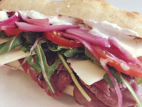 Andover, Nueva Hampshire: Roast beef sandwich with horseradish cream