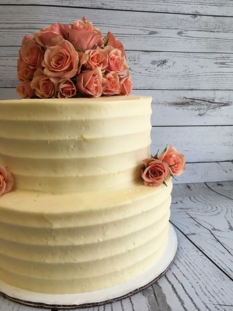 Andover, NH: Rustic wedding cake
