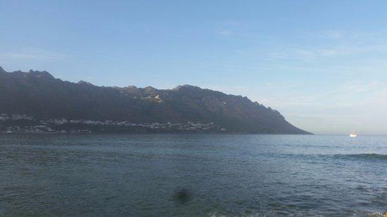 Gordon's Bay, Südafrika: view from back bedroom