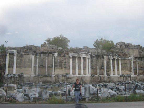 Monumental Fountain (Nymphaeum): Фонтан Нимфеум
