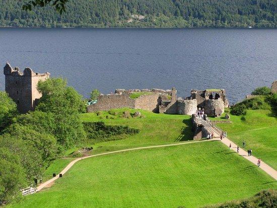 Urquhart Castle: Veduta del corpo principale